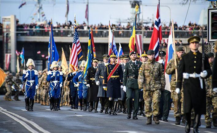 Парад, посвященный 100-летию независимости Латвии в Риге