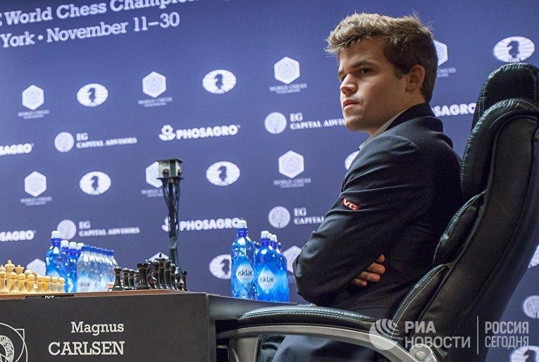 Гроссмейстер Магнус Карлсен в тай-брейке матча за звание чемпиона мира по шахматам 2016 в Нью-Йорке