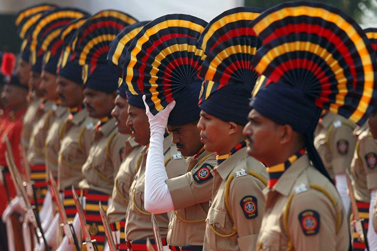 Сотрудники индийской полиции во время памятных мероприятий по погибшим в террористических актах 2008 года в Мумбаи