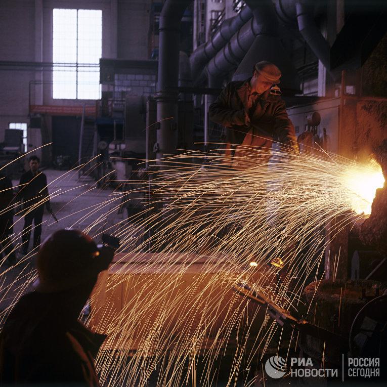 Разработка новых образцов стали в лаборатории Днепропетровского металлургического института