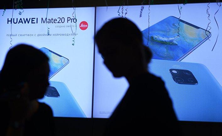 Старт продаж в России флагманских смартфонов Huawei