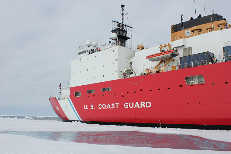 Корабль береговой охраны США в Чукотском море