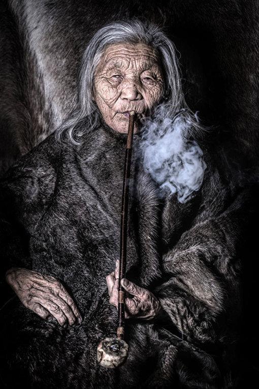 Женщина из народа дукхи