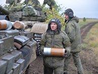 Военнослужащие 90-ой гвардейской танковой дивизии