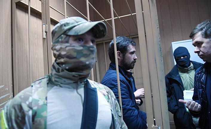 Рассмотрение ходатайства следствия о продлении срока ареста украинским морякам