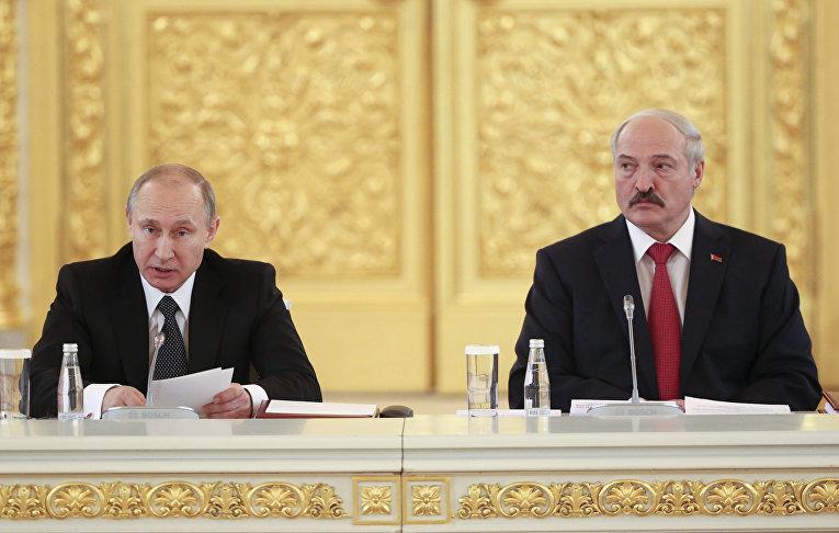 Президент России Владимир Путин и президент Белоруссии Александр Лукашенко во время встречи в Москве