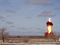 Испытательный пуск новой модернизированной ракеты российской системы ПРО на полигоне Сары-Шаган