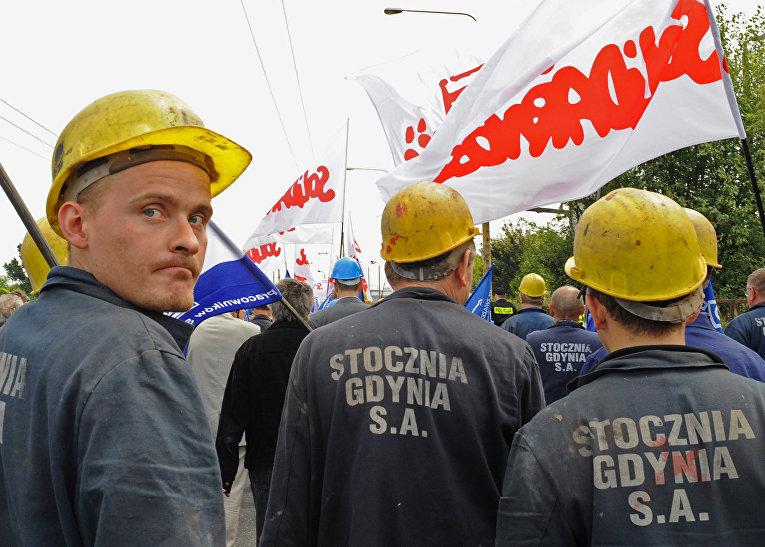 Рабочие гданского судостроительного завода