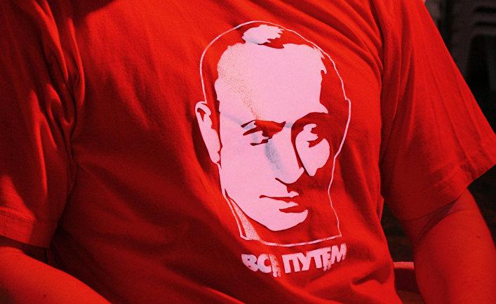 Портрет Владимира Путина на футболке