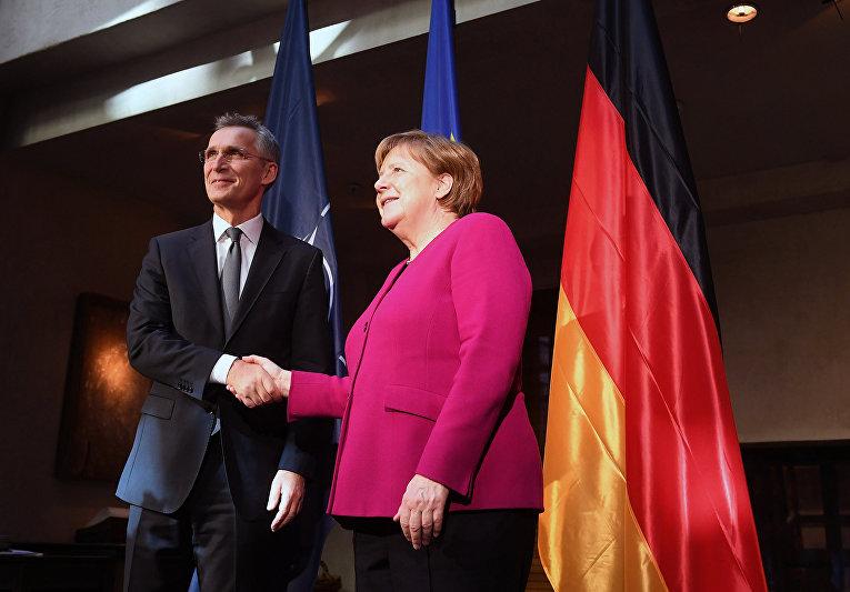 Канцлер Германии Ангела Меркель и генеральный секретарь НАТО Йенс Столтенберг на 55-й Мюнхенской конференции по безопасности