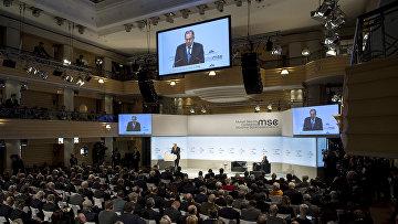 Министр иностранных дел России Сергей Лавров выступает в Мюнхене