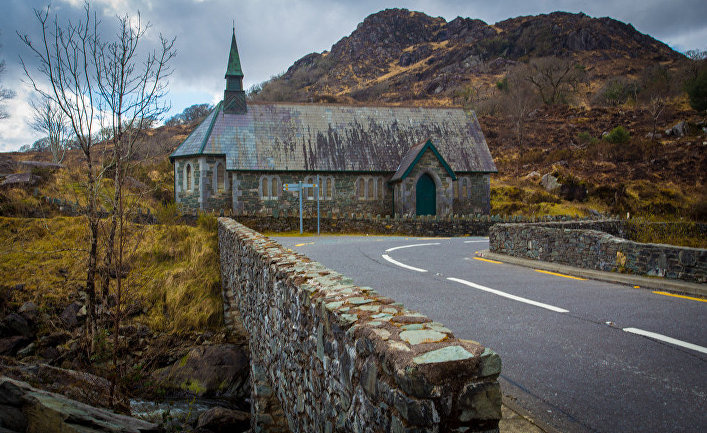 Заброшенная церковь в графстве Керри, Ирландия