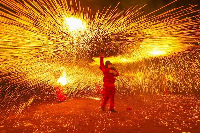 Фестиваль фонарей в Лучжоу