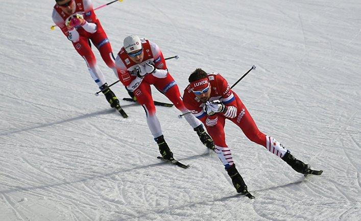 Справа налево: Сергей Устюгов (Россия), Финн Хоген Крог (Норвегия) и Йоханнес Хёсфлот Клебо (Норвегия)