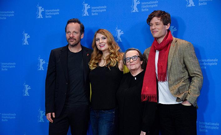 Создатели а актеры фильма «Мистер Джонс» на 69 Берлинском кинофестивале