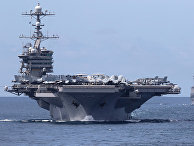 """Авианосец """"Джон К. Стеннис"""" и ракетный крейсер """"Мобил Бей"""""""