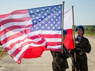 Солдаты почетного караула на базе в Редзиково на севере Польши