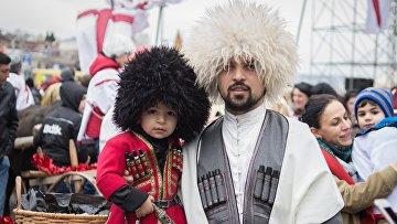 """Рождественское благотворительное шествие """"Алило"""" в Тбилиси"""