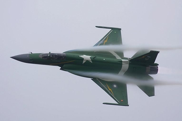 Пакистанский истребитель JF-17 Thunder