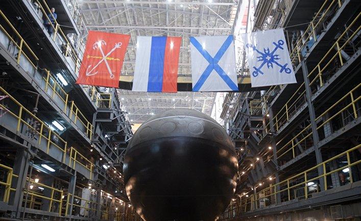 """Спуск на воду подводной лодки  """"Петропавловск-Камчатский"""" в Санкт-Петербурге"""