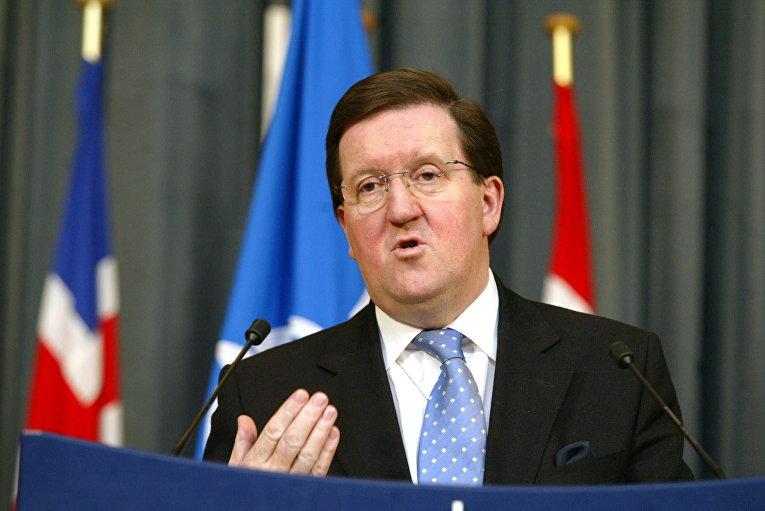 Британский политик Джордж Робертсон