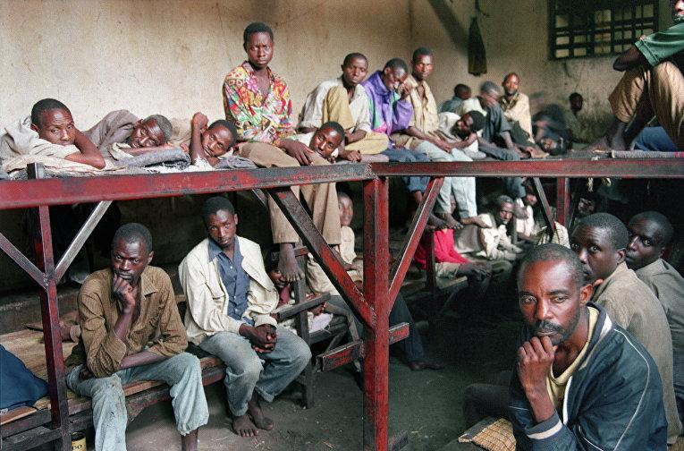 Некоторые из тех 334 заключенных, которые попали в тюрьму по обвинению в совершении военных преступлений