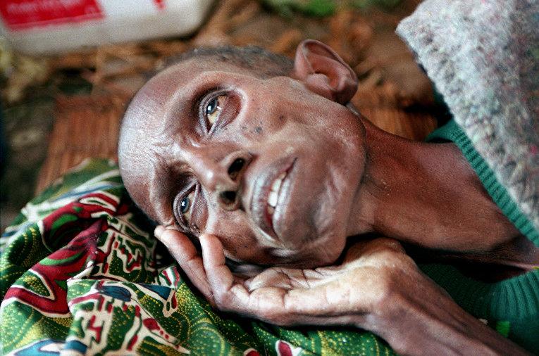 Мужчина, страдающий от голода