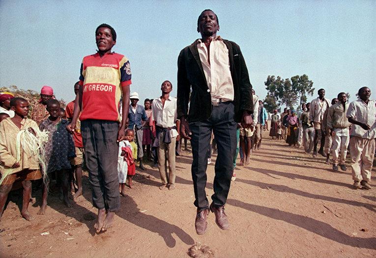 Вынужденные покинуть свои дома гражданские хуту в Кианике