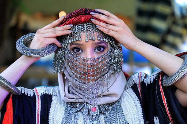 Должны ли женщины покрывать голову?