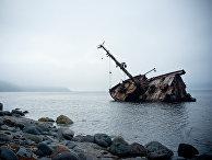 Заброшенный корабль у Курильских островов