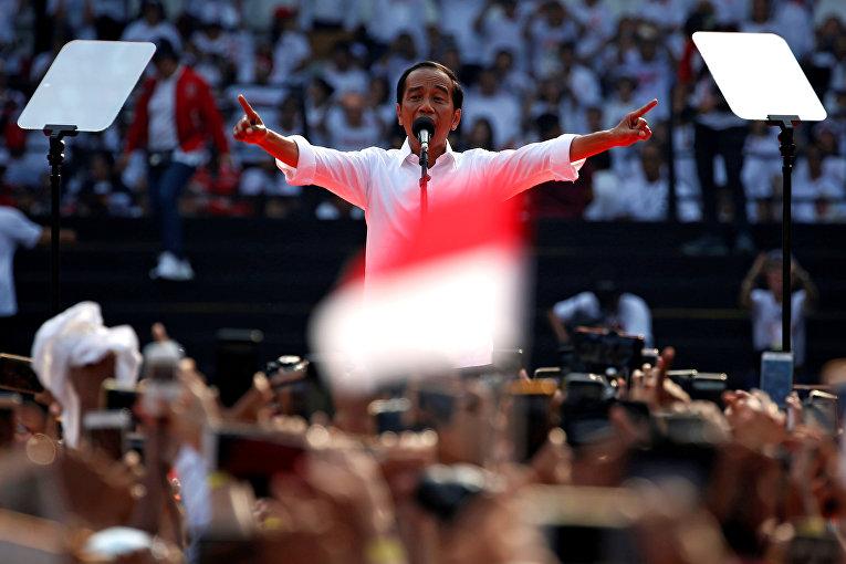 Джоко Видодо во время выступления на стадионе в Джакарте