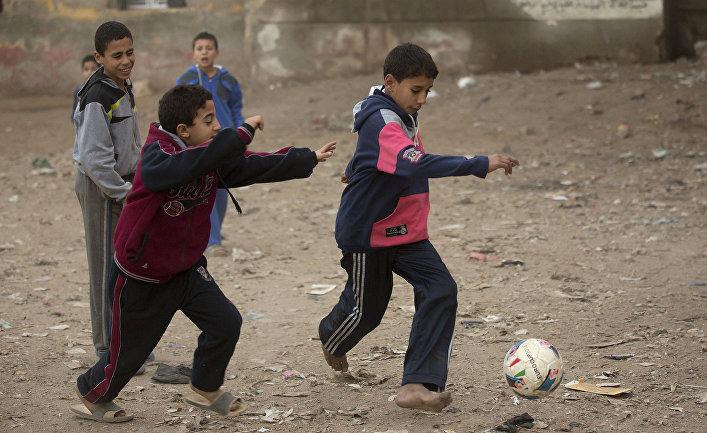 Дети в Эль-Канатир-эль-Хейрия, Египет