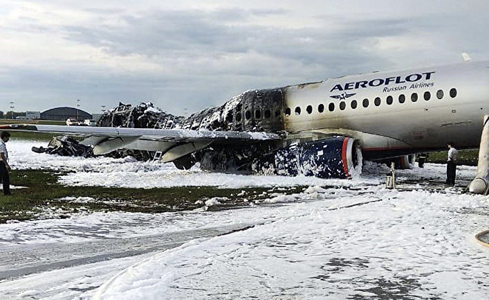 Пожар на борту самолета в Шереметьево