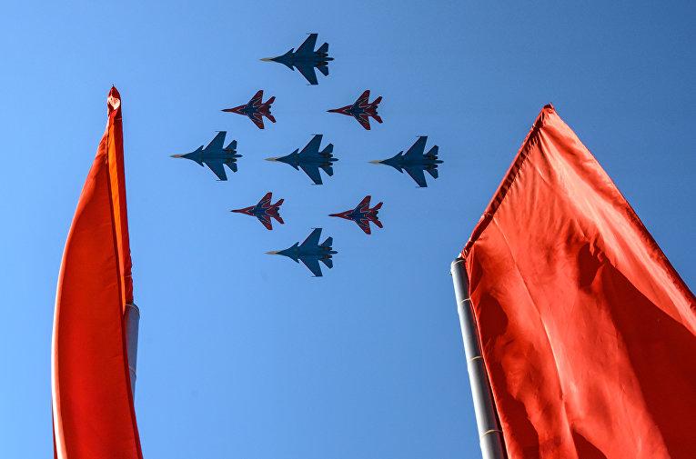 Многоцелевые истребители Су-30СМ
