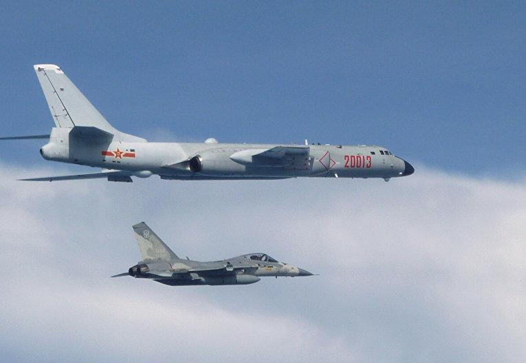 Китайский бомбардировщик H-6