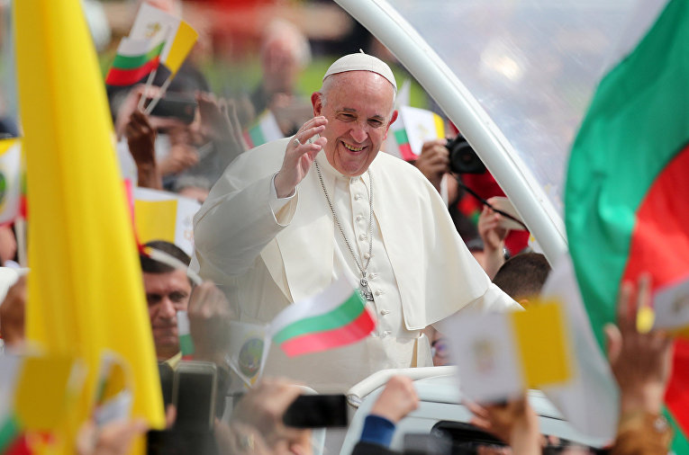 Папа Франциск на площади Князя Александра I в Софии, Болгария