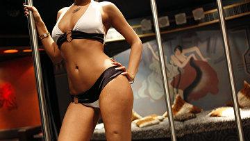 Девушка в одном из борделей в Берлине