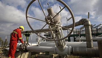 Рабочий на газопроводе турецкой компании Боташ, Турция