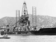 Американское судно для судоподъёмных работ Гломар Эксплорер
