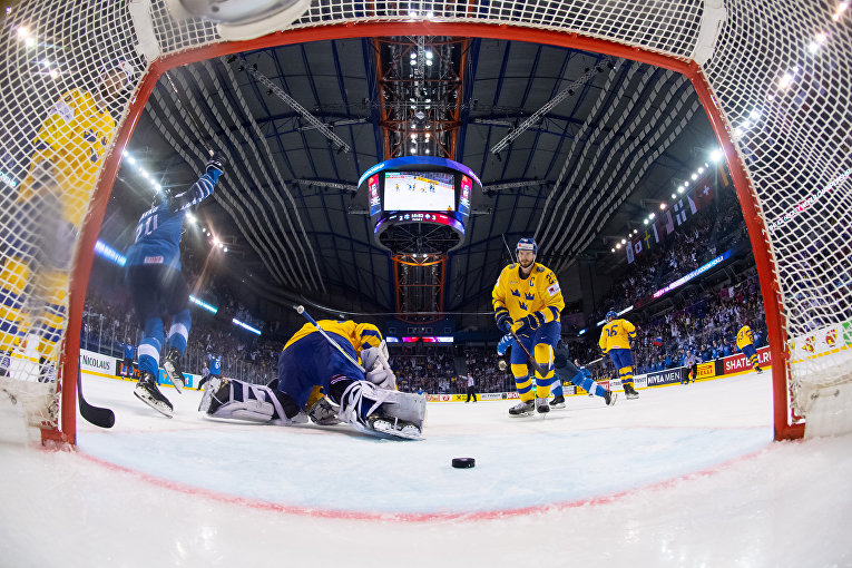Матч Швеция - Финляндия в четвертьфинале ЧМ