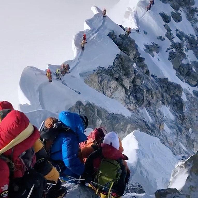 Очередь на Эверест