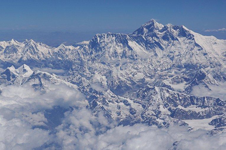 Вид на гору Эверест