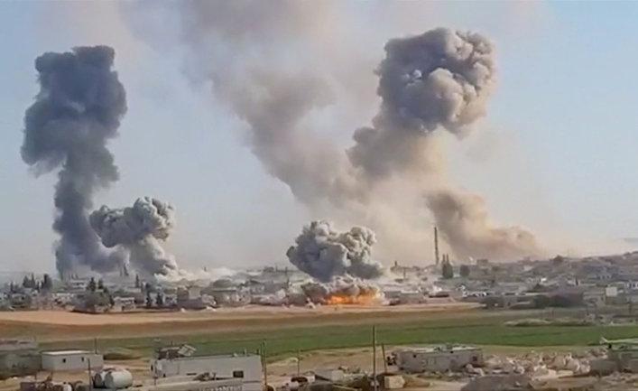 Бомбардировки в Хан аль-Субул, провинция Идлиб, Сирия
