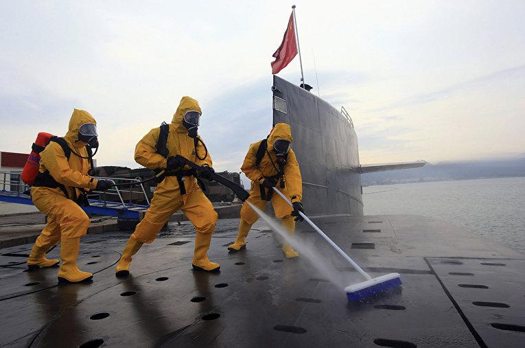 Военные учения на базе подводных лодок Циндао в провинции Шаньдун, Китай