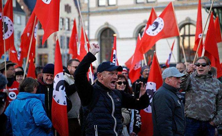 Акция протеста ультраправых в городе Хемниц, Германия