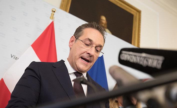 Вице-канцлер Австрии и председатель Партии свободы FPOe Хайнц-Кристиан Штрахе