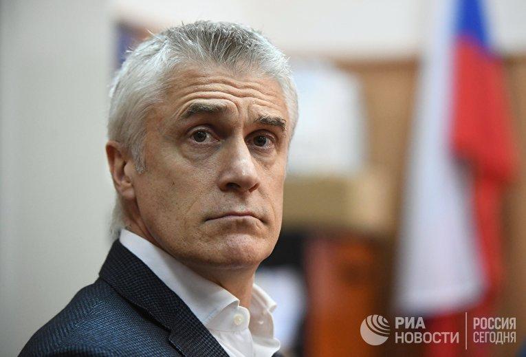Рассмотрение ходатайства следствия о продлении домашнего ареста М. Калви