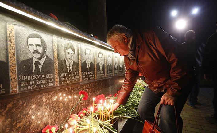 Мемориал ликвидаторам Чернобыльской аварии в городе Славутич, Украина