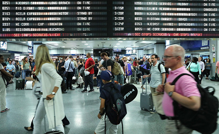 Толпа на вокзале в Нью-Йорке, США