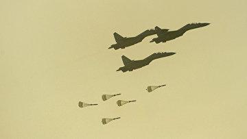 """Самолеты ВВС Индии Су-30 во время учений """"Железный Кулак-2013"""" в Похране"""